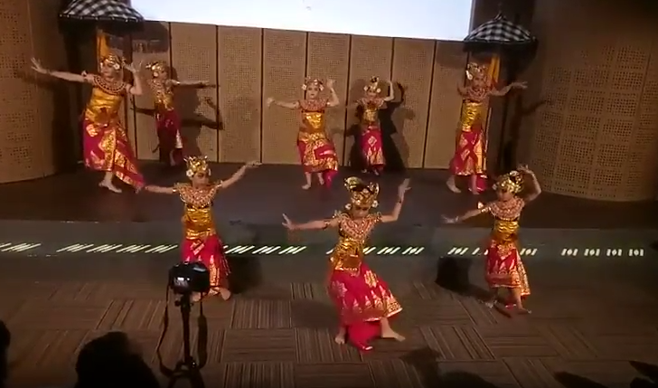 Pentas Tari Panji Semirang di Galeri Indonesia Kaya